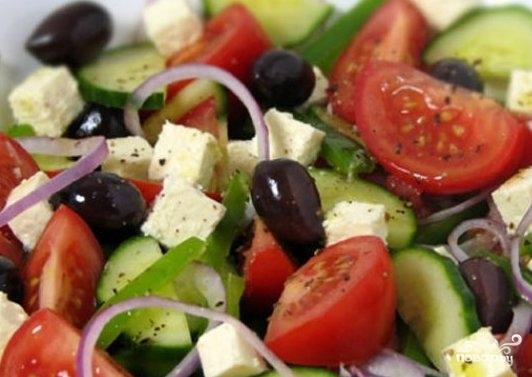 Греческий салат без перца - фото шаг 7
