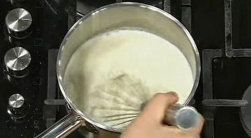 Молочный суп с рыбой - фото шаг 2