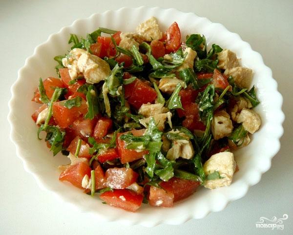 Рецепт Салат куриный с помидорами