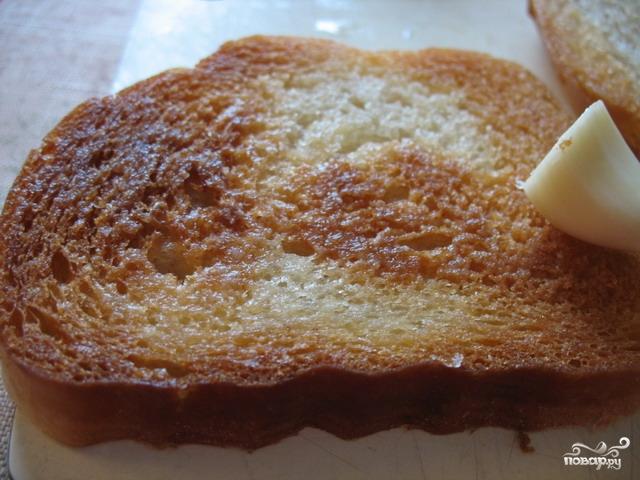 Бутерброды с яйцом и чесноком - фото шаг 4