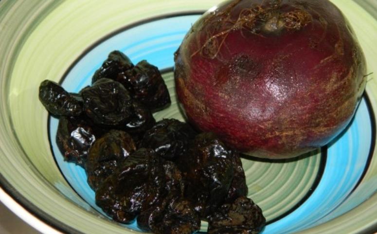 Рецепт Свекла тушеная с черносливом
