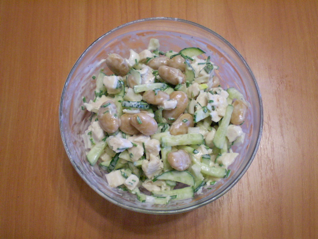 Мясной салат с фасолью - фото шаг 7