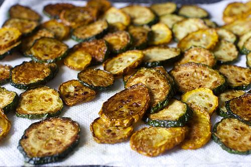Салат из цукини и макарон - фото шаг 5