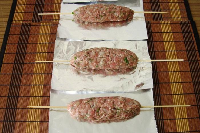 Люля из говядины в духовке - фото шаг 1
