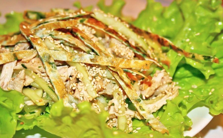 Салат нежный рецепт с курицей и грибами 24