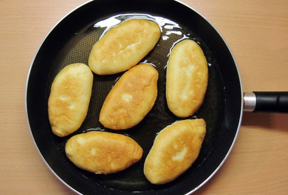 Пирожки с рисом и рыбой - фото шаг 15