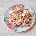Рецепт Салат из капусты с курицей и редисом
