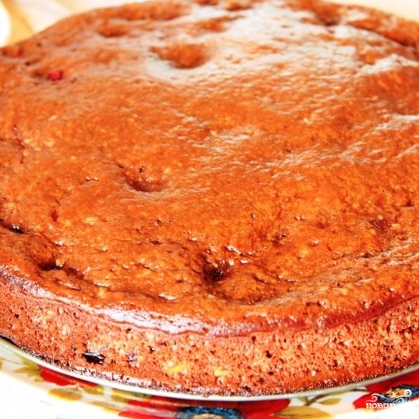 Шоколадный пирог с вишней - фото шаг 7