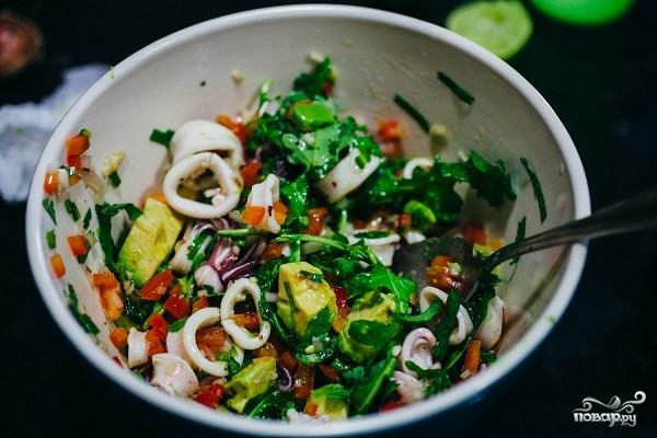 Салат из кальмаров и авокадо - фото шаг 5
