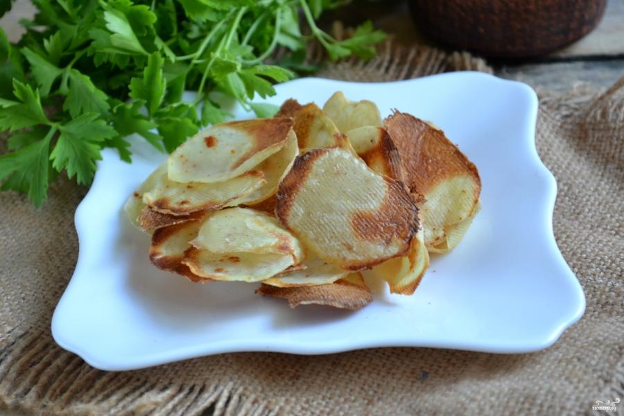 Картофельные чипсы в микроволновке - фото шаг 4