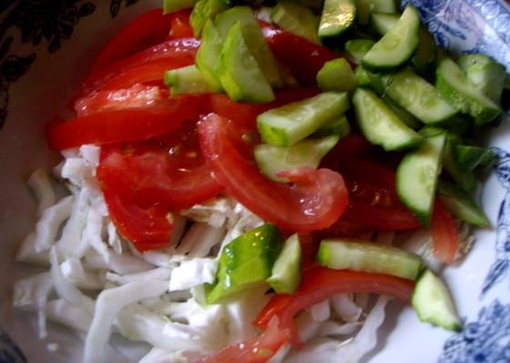 Салат с лисичками и картофелем - фото шаг 2