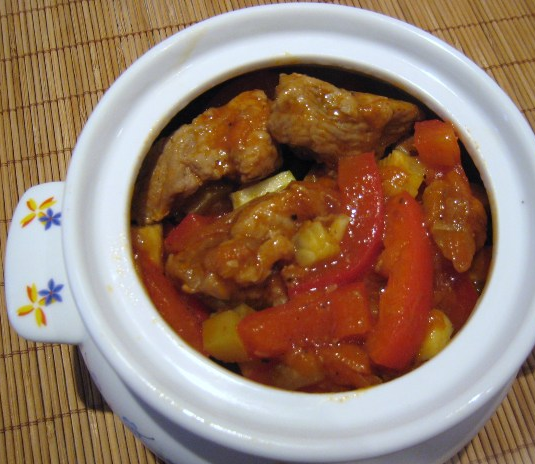 Курица в горшочке в духовке с овощами - фото шаг 3