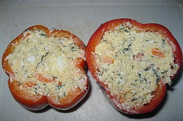 Перец с сырной начинкой и яйцом - фото шаг 8