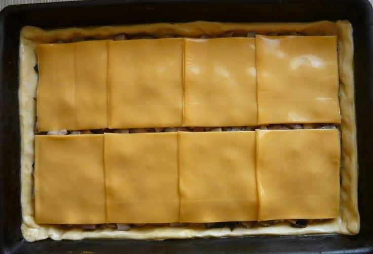 Пирог с грибами и сыром - фото шаг 4