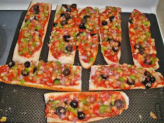 Пицца-багет - фото шаг 5