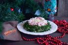Салат Нежный с крабовыми палочками и сыром