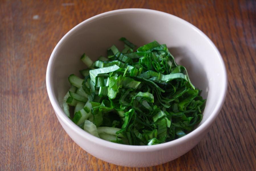 Салат с мясом и огурцом - фото шаг 4