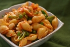 Салат из пасты, болгарского перца и фасоли