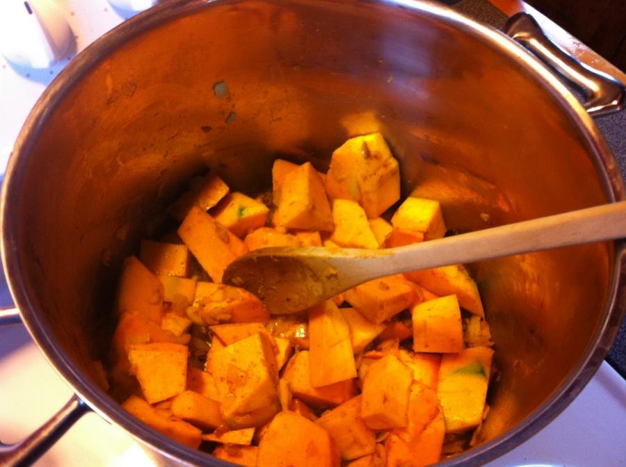 Диетический суп из тыквы - фото шаг 2