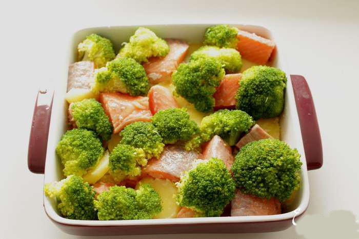 Запеканка с брокколи и картофелем - фото шаг 3