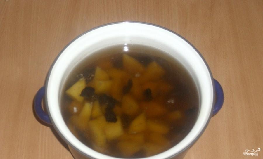 Постный грибной суп из сушеных грибов - фото шаг 2