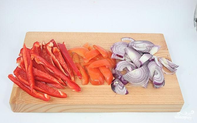 Рецепт Салат с помидорами, ветчиной и сыром