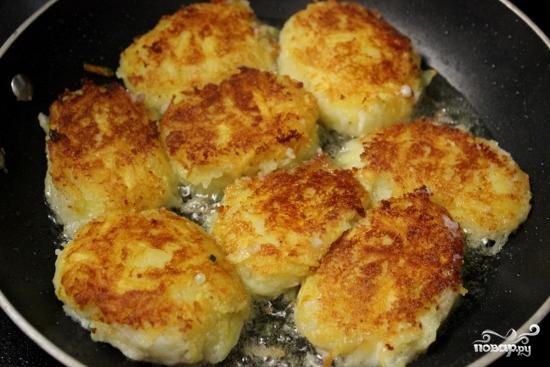 Картофельные пампушки с творогом - фото шаг 4