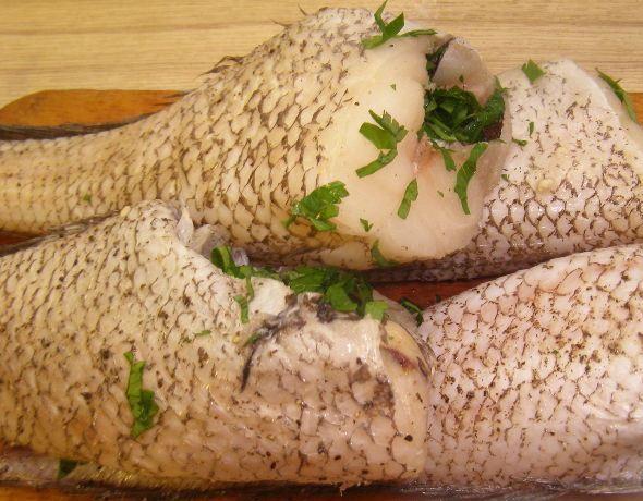 Рыба, запеченная в фольге - фото шаг 4