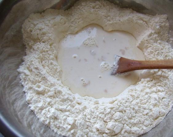 Быстрое сдобное тесто для пирожков - фото шаг 3