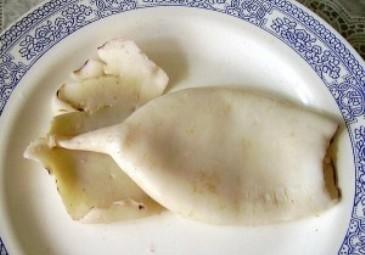 Рецепт Кальмар, фаршированный грибами и яйцом