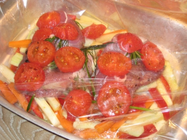 Баранина с овощами в рукаве   - фото шаг 5