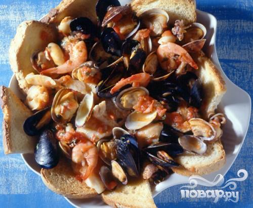 Суп из морепродуктов (Cacciucco alla livornese)