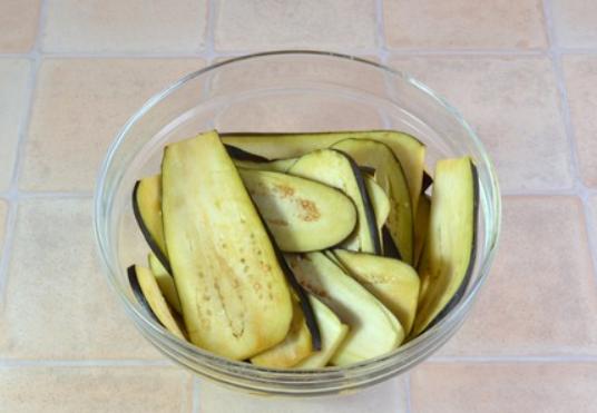 Рецепт Баклажанные рулетики с сыром