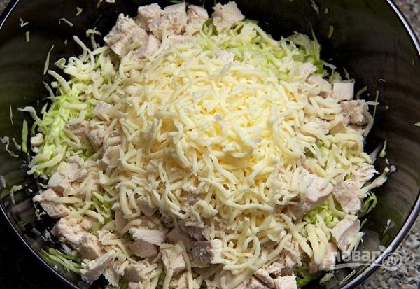 Салат с сухариками и курицей - фото шаг 6
