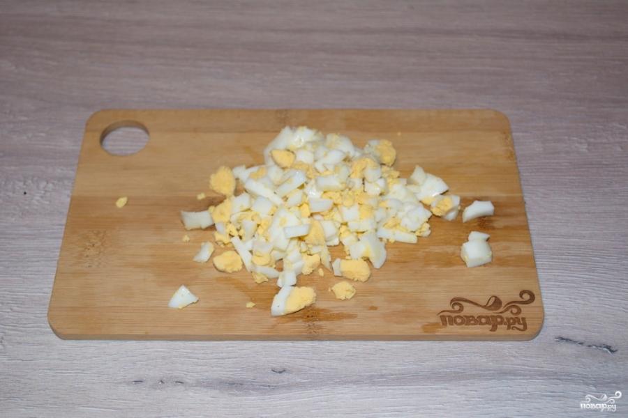 Салат с салями и кукурузой - фото шаг 4