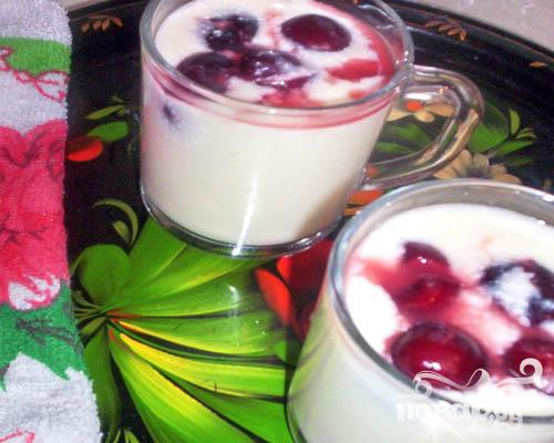 Молочный кисель с ягодами Шарлотт