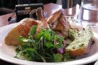 Курица с кресс-салатом и редисом