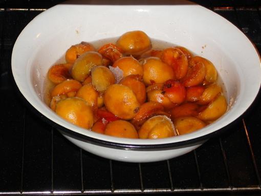 Варенье из абрикосов в духовке - фото шаг 3