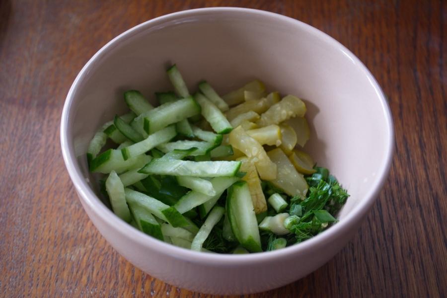 Салат с мясом и огурцом - фото шаг 3