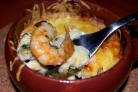 Креветки, запеченные под сметанным соусом
