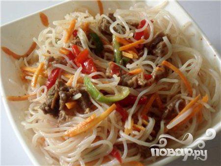 Рецепт Салат с лапшой, капустой и миндалем