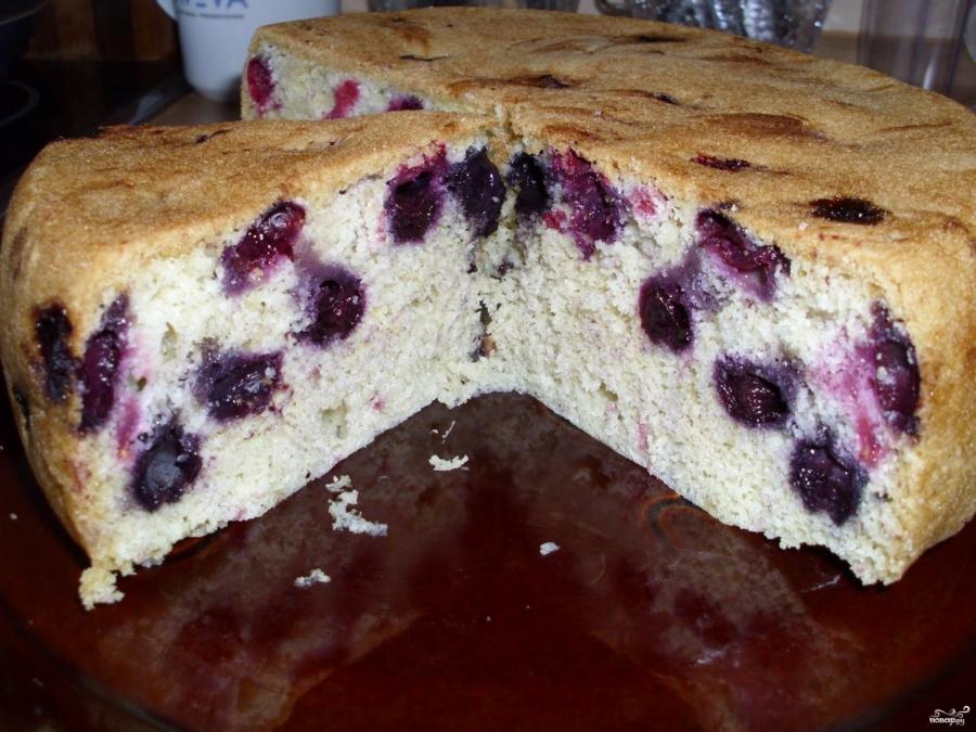 Бисквитный пирог в мультиварке - фото шаг 5