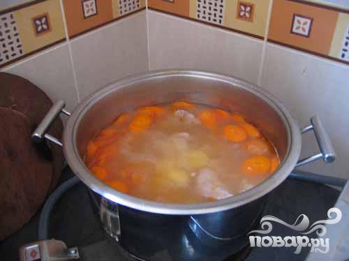 Тушеный цыпленок с овощами - фото шаг 2