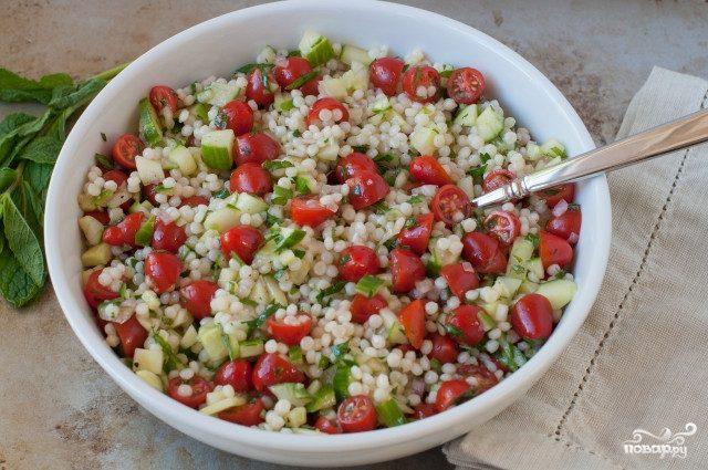 Салат из кускуса с овощами