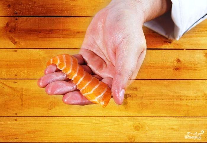 Суши с лососем - фото шаг 3