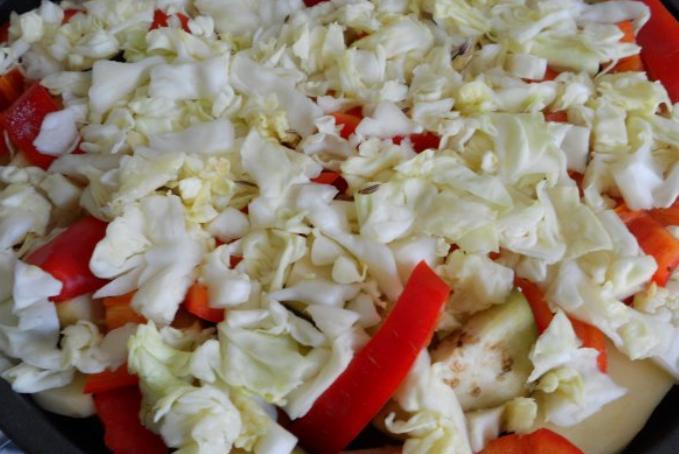 Свинина, тушеная с овощами - фото шаг 5
