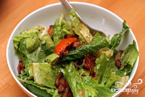 Салат из помидоров с беконом