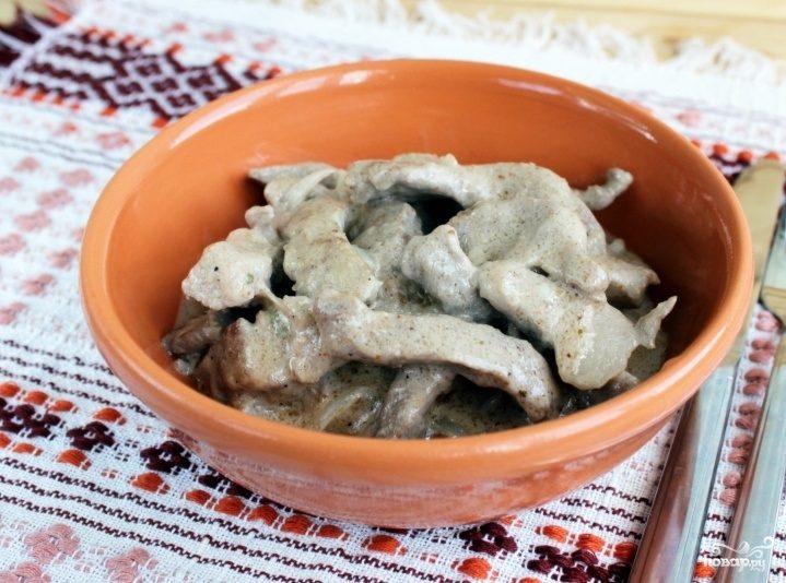 Бефстроганов из свинины со сливками