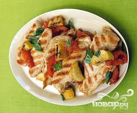Рецепт Куриные котлеты со сквошем и помидорами