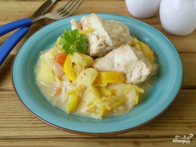 Курица с овощами с сметане